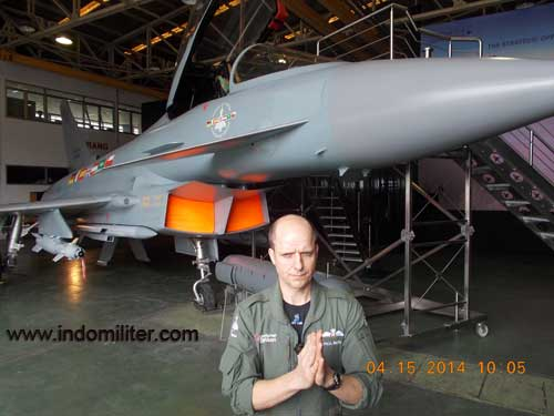 Paul Smith, pilot demo Eurofighter Typhoon.