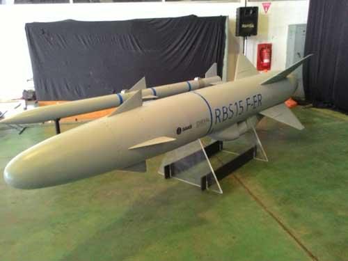 Rudal RBS-15 yang mampu digotong Typhoon.