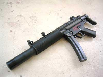Generasi terbaru yang juga digunakan Kopassus, MP5SD-6
