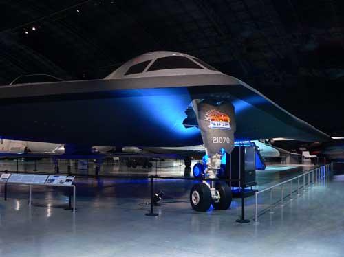 Pembom B-2 Stealth dengan nilai RCS 0,0001