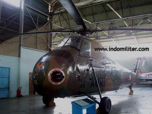 CH-34 Choctaw di Museum Dirgantara Mandala, Yogyakarta.