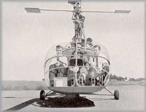 Posisi duduk pada kabin Hiller 360, pilot ada di bagian tengah.