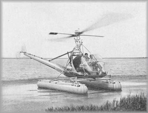 Hiller 360 dengan landing gear ponton.