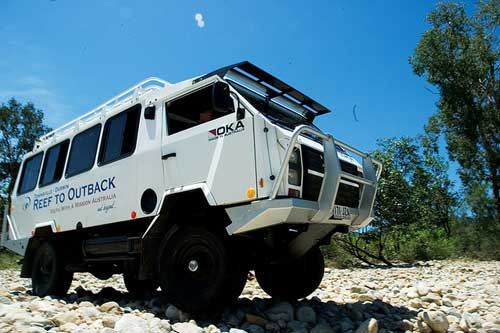 Oka 4x4 juga populer sebagai mobil caravan untuk keluarga.