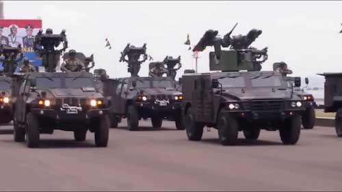 Tampil bersama rantis komodo yang juga mengusung rudal Mistral.