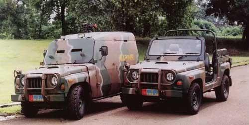 KIA KM420 standar dan varian modifikasi lapis baja. (Foto: Edisi Koleksi Angkasa)