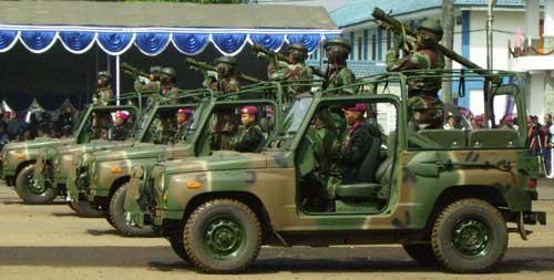 Dalam parade mengusung rudal MANPADS Strela