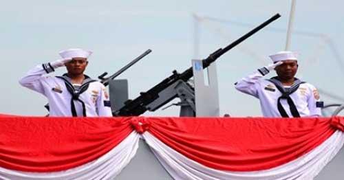 Awak KCR 40 dengan senjata SMB M2HB kaliber 12,7 mm