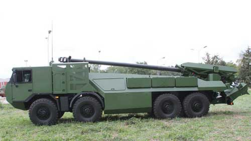 Caesar-rolls-in-on-eight-wheels-_DSEi15D2_