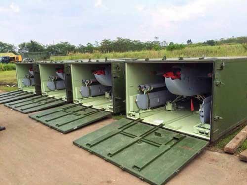 Aerostar dalam box cargo, sebelum dirakit.
