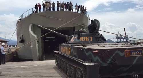 kapal-pengangkut-tank-tni