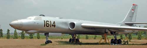 Foto asli Tu-16 di lanud Iswahjudi.