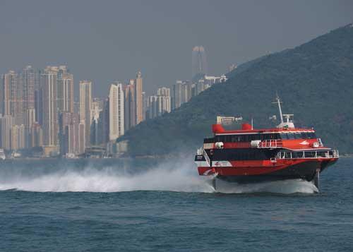 Salah satu jetfoil Boeing 929 yang melayani rute Hong Kong - Makau.