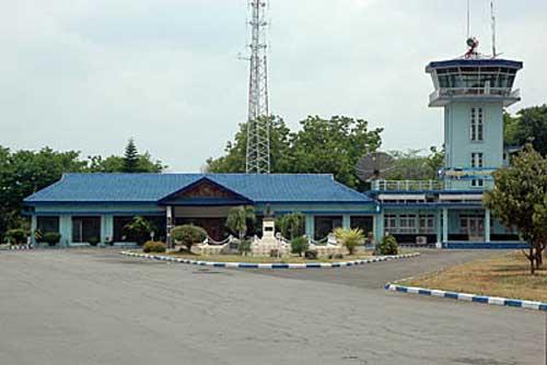 Menara ATC (Air Traffic Control) lanud Iswahjudi.