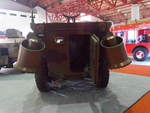 Anoa 2 dengan Water Propeller dipamerkan dalam ajang Indo Defence 2014.