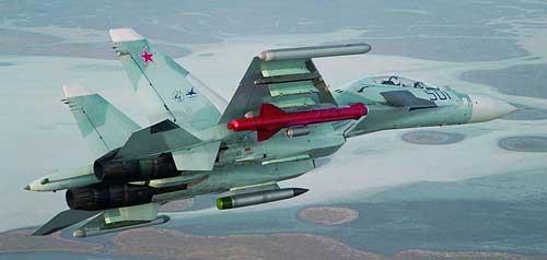 Sukhoi Su-30MK Rusia dengan Kh-59 (rudal berwarna merah).
