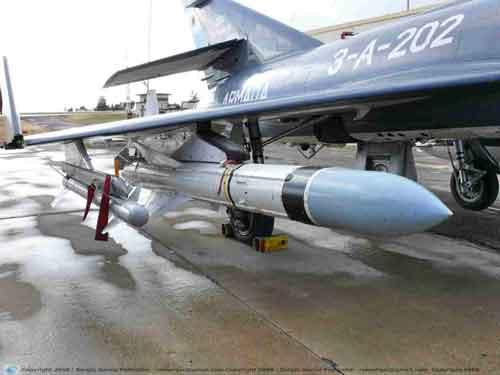 AM-39 terpasang pada jet Super Etendard AL Argentina.
