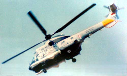 NAS 332 Super Puma TNI AL bermanuver dengan dummy AM-39 Exocet.