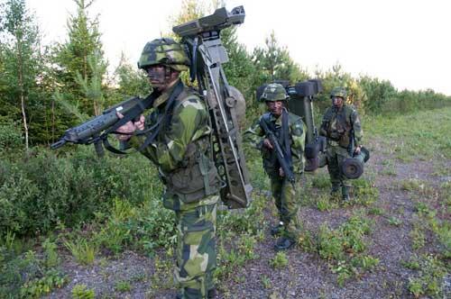 Konfigurasi RBS 70 dapat dibawa oleh tiga personel.