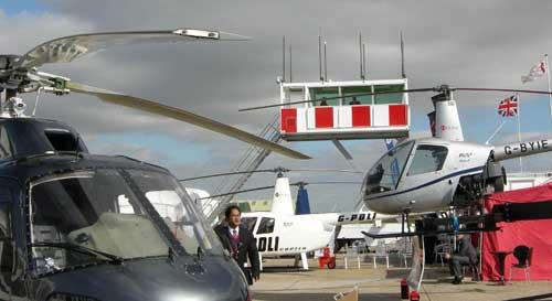 Guna menunjang keselamatan dalam pertujunkan udara, model ATC Mobile kerap jadi solusi.