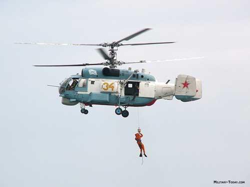 Kamov Ka-27 dilengkapi hoist dalam misi SAR.