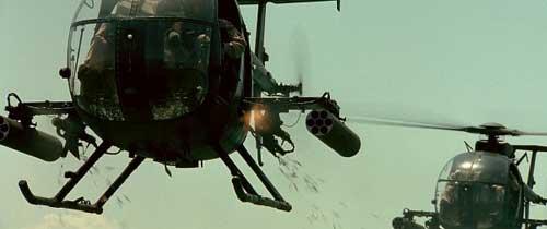 MH-6 Little Bird di film Black Hawk Down ikut andil bagian. M134D disematkan dalam platform pod.