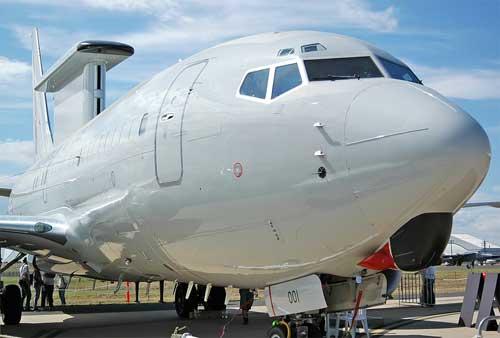 Boeing_737-7ES_Wedgetail,_Australia_-_Royal_Australian_Air_Force_(RAAF)_JP449771