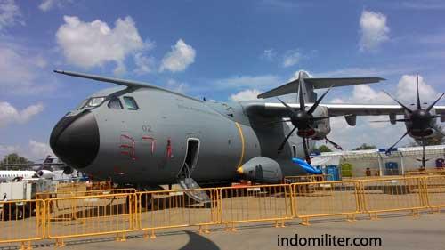 Airbus A400M Atlas AU Malaysia, saat dipamerkan di Singapiore Airshow 2016.
