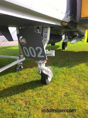 Roda pendarat bagian depan pada Gripen NG.