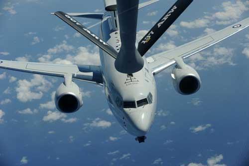 E-7A Wedgetail juga punya kemampuan air refueling system.