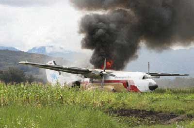C-160 (PK-VTQ) milik Manunggal Air di Bandara Wamena