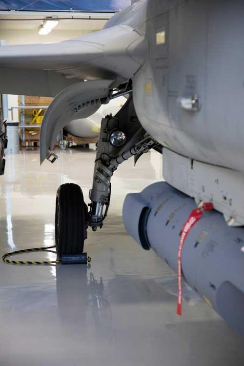 Main landing gear pada Gripen 39-7 (Gripen NG)