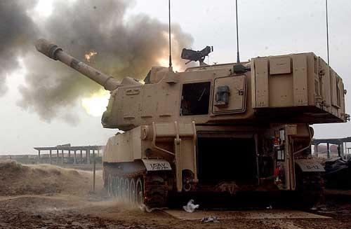 M109_Paladin_from_B2-82FAR_1st_CavDiv_fires_from_Camp_Taji_Iraq