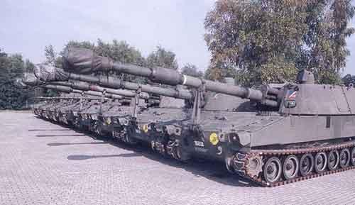 Sebagian armada M109 Paladin AD Belgia.