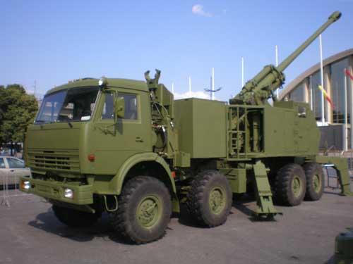 Nora B52 dengan sasis truk Kamaz.