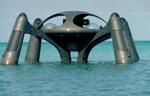 "Atlantis Sea Basing di film James Bond ""The Spy Who Loved Me."""