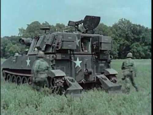 M109 beraksi dalam Perang Vietnam.