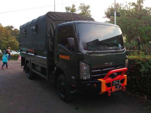 isuzu-NPS-75
