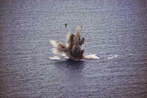 Tembakan rudal Kh-31 mengenai sasaran.