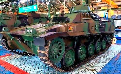 AMX-13 VCI retrofit dengan kubah tertutup penuh.