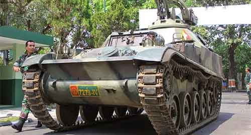 AMX-13 VCI dengan body hull orisinil.