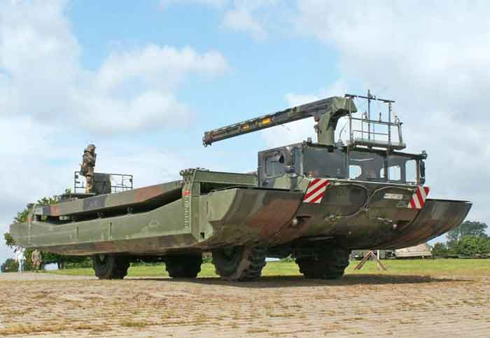 ewk-amphibious-bridging-ferrying-vehicle