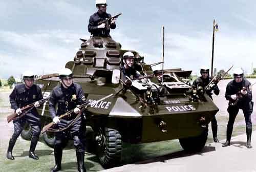 M8 juga digunakan Polisi di AS.