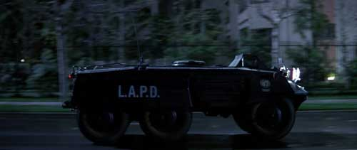 """M8 Greyhound ikut tampil dalam film """"Die Hard"""" tahun 1988."""