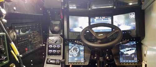 Kompartemen dan dashboard pengemudi Terrex.