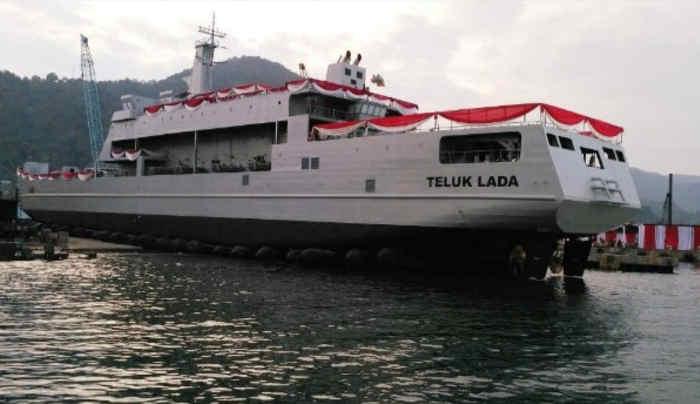 KRI Teluk Lada Turun Tangan Kejar Kapal yang Dikabarkan Dibajak ABK di Ambon