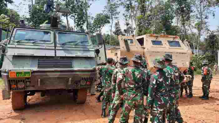 Garuda Shield 2021 - MLRS ASTROS TNI AD Berkolaborasi dengan M142 HIMARS US  Army